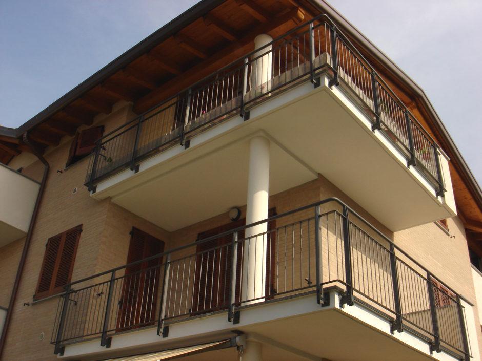 Parapetti e balconi - su misura
